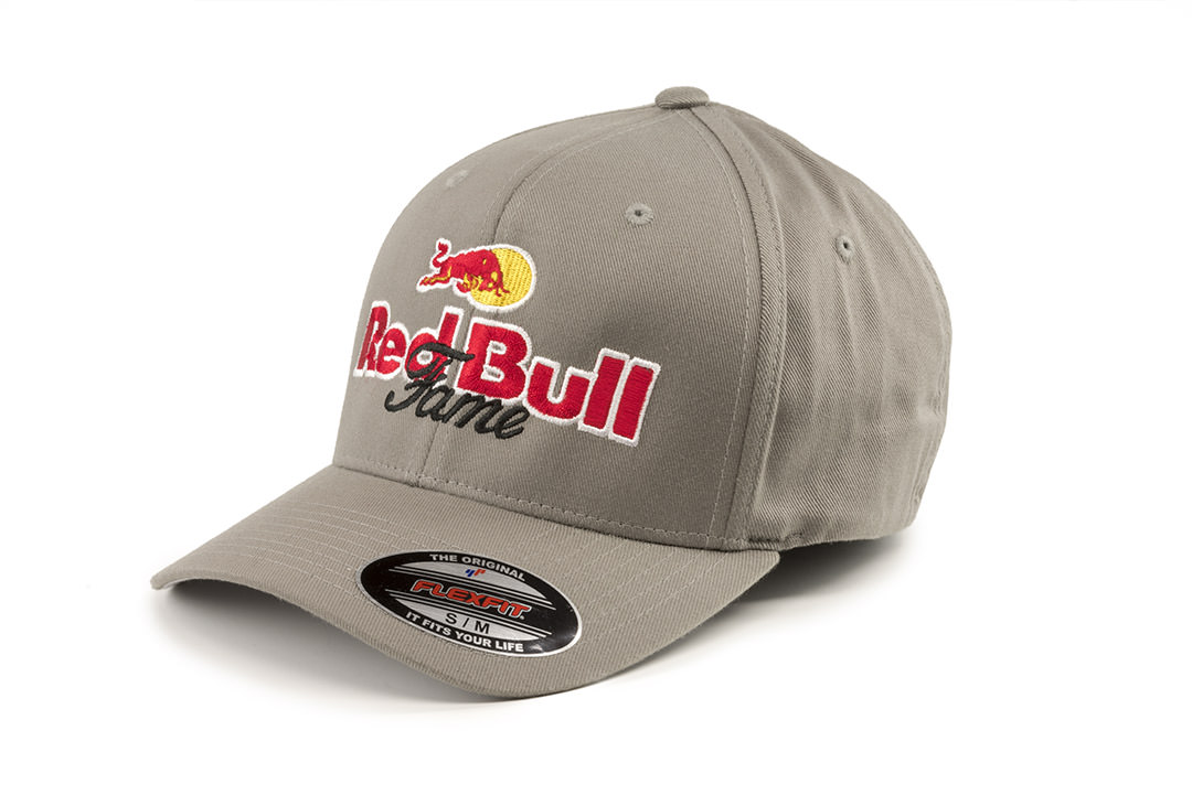 Tristan Dark Gadget Solution Red Bull Double F Quarter Horses Hat DSC 0585